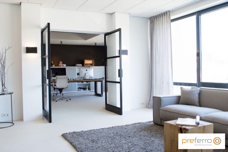 Dubbele binnendeuren met glas in woonkamer