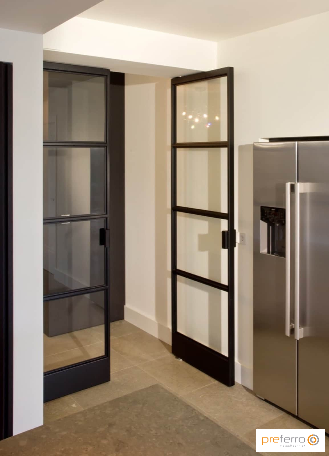 Dubbele binnendeuren met glas in keuken